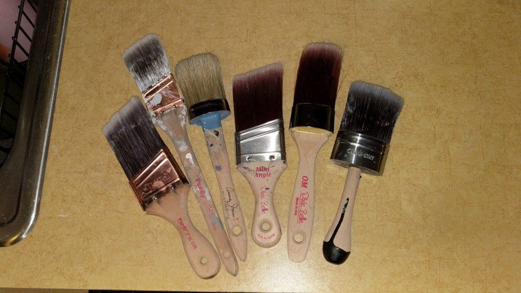 Chalk Paint Tips: Brushes
