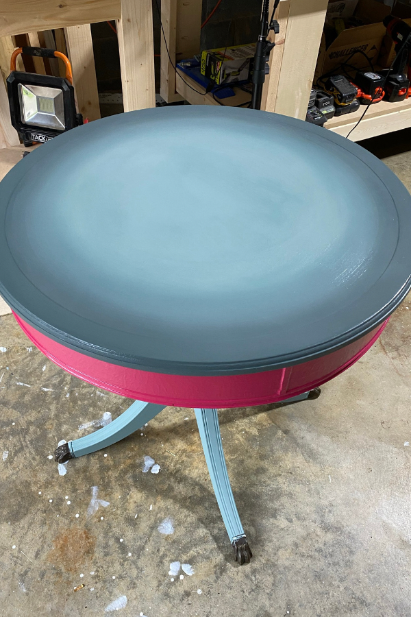 Round Accent Table Makeover - 1st Step of Blending The Top