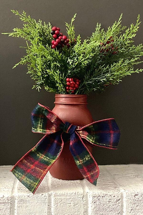 Red Chalk Painted Mason Jar For Christmas DIY Decor