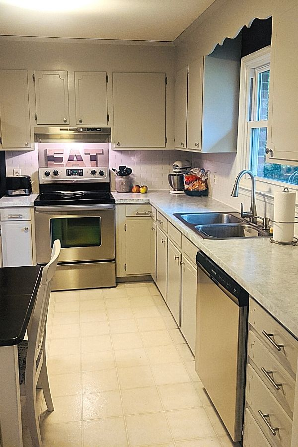 Budget Kitchen Makeover With Painted Laminate Countertops