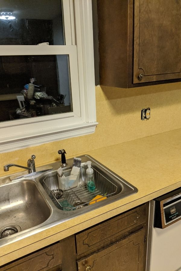 Harvest gold Laminate Old Ugly Countertops