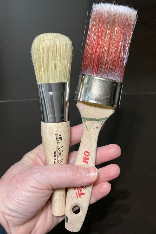 The Dixie Belle The Belle Brush beside the Synthetic Oval Medium