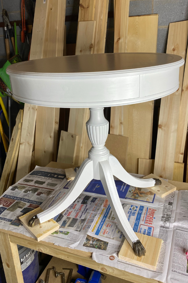 Round Accent Table Makeover - Primed With Zinsser BIN Shellac-Based Primer