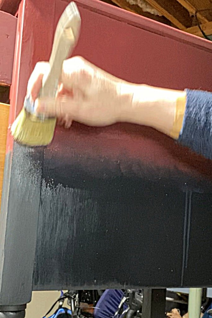 Blending the two chalk paint colors in my vintage two-drawer table makeover
