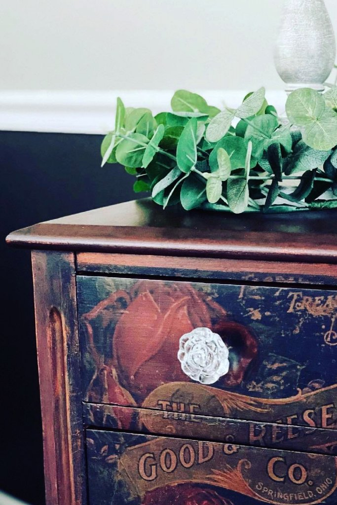 small two-drawer vintage table makeover
